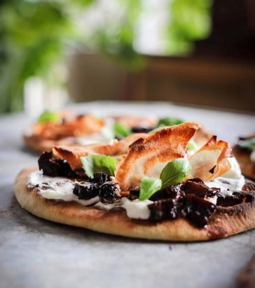 creamy goat cheese flatbread
